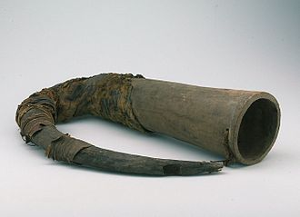 Music of Burkina Faso - Wooden horn of the Samo people
