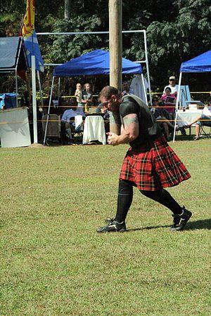 Scotland County (North Carolina) Highland Games - Image: Caber toss