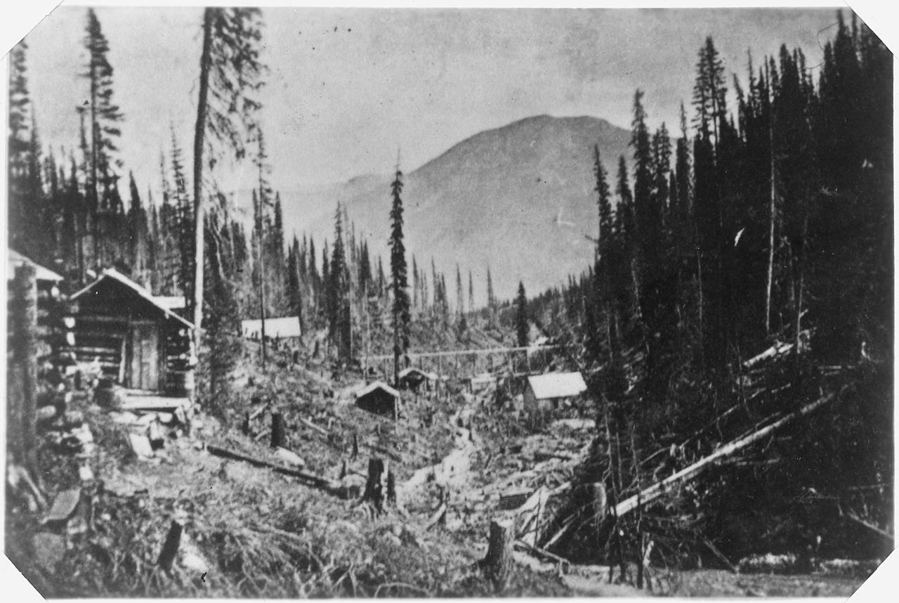File:Cabins in Alaska during the Gold Rush. - NARA - 298078.jpg ...