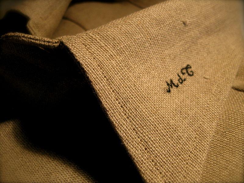 File:Camicia grezza MDT.JPG