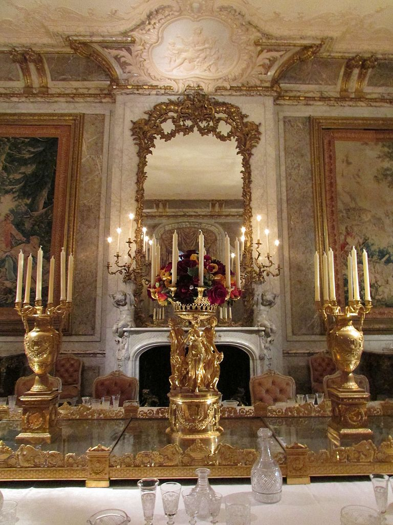 File candlabras dining room waddesdon manor waddesdon for Dining room c house of commons