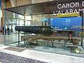 Canon de l'Alabama exposé dans le grand hall de la Cité de la Mer à Cherbourg.JPG