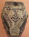 Capitello con uccelli dalla faccia femminile, tufo, armenia, XIII sec..JPG