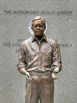 James Earl Carter Presidential Statue by Frederick Hart (1994) Carter by Hart.jpg