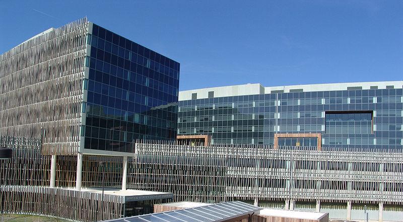 Census Bureau headquarters, Suitland, Maryland, 2007.jpg