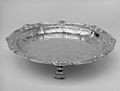 Centerpiece with cover and eight accessory dishes MET 166885.jpg