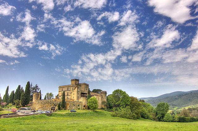 Замок Лурмарена, Прованс, Франция