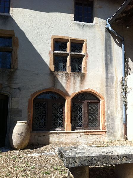 Château de Sancé - vue détaillée cour sud - 2011 (Avant travaux Commune)