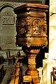 Chaire de l'Eglise du Puy-Notre-Dame DSC 1854.jpg
