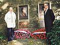 Charly Gaul et Fréderico Bahamontes en 1998 devant le Mémorial François et Nicolas Frantz 1 (cropped).jpg