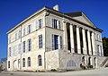 Chateau d'archiecture palladienne prise de côté.jpg