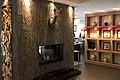 Cheminee in der Lounge des Matthiol Hotels in Zermatt - panoramio.jpg