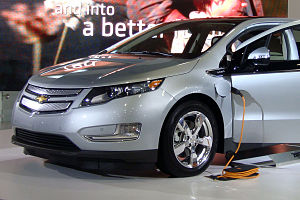 English: 2011 Chevrolet Volt with manufacturer...