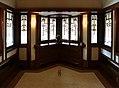 Chicago, robie house di frank lloyd wright, 1908-1910, salone al primo piano, 09 finestre 02.jpg