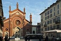 Chiesa di Santa Maria del Carmine, Milano, veduta di tre quarti.jpg