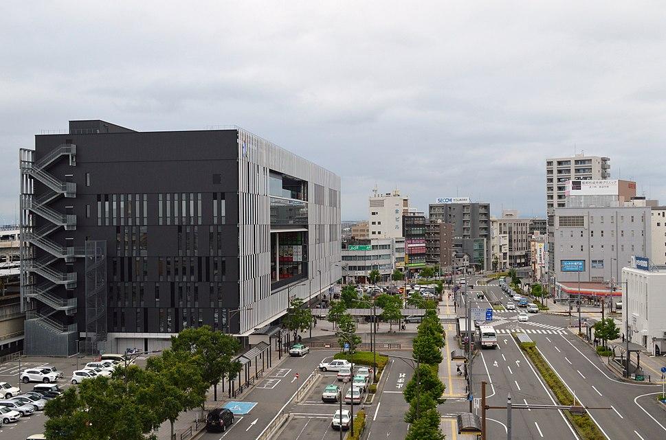 Civic Complex Building in front of Owari-Ichinomiya Station ac (5)