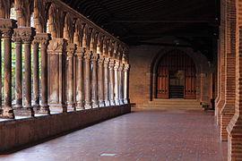 Cloitre, musée des Augustins.jpg