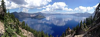 Crater Lake - Panorama of Crater Lake and Wizard Island