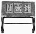 D179-tête de lit dorée le dieu Bès.-L2-Ch6.png