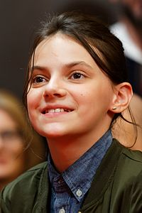Dafne Keen Press Conference Logan Berlinale 2017 02.jpg
