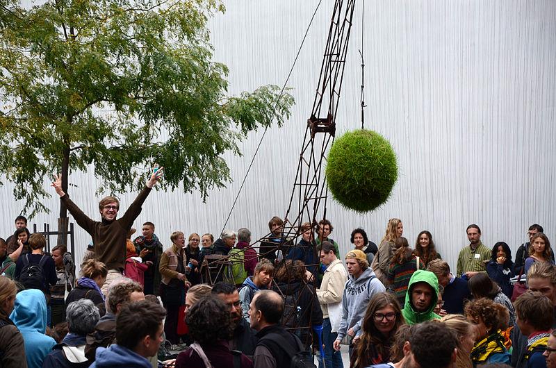 File:Degrowth Conference 2014 Photo by Eva Mahnke CC-BY-SA 04 grüne Abrissbirne.jpg