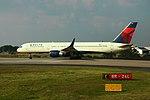Delta N692DL Boeing 757-200 (28537078563).jpg