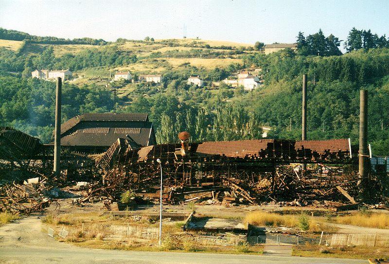 Destruction des usines du Creusot de la plaine des Riaux  Le Creusot   Saone et Loire   France
