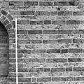 Detail noordgevel, koor ten westen van dichtgezette doorgang - Siddeburen - 20199528 - RCE.jpg