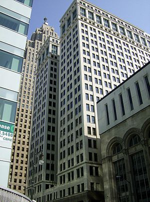 Architecture of metropolitan Detroit - Neoclassical Chrysler House (1912) by Daniel Burnham in the Detroit Financial District