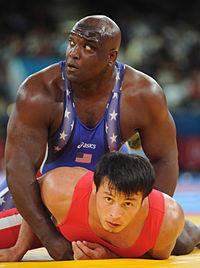 Dremiel Byers vs Muminjon Abdullaev 2012.jpg