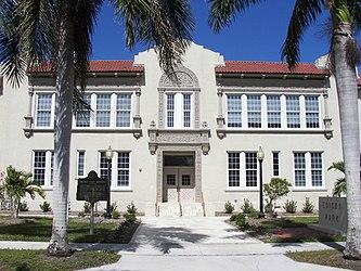 Edison Park Elementary School.jpg