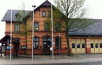 Ehemaliges Bahnhofsgebäude Dittelsheim-Heßloch.JPG