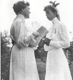 Eleanor roosevelt & sara delano roosevelt 1908.jpg