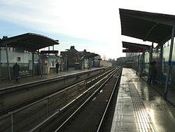 Elverson Road DLR station 2005-12-10.jpg