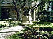 Estátua do imperador em Petrópolis.JPG
