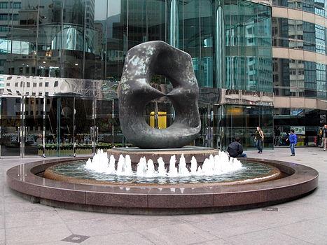 Exchange Square Fountain JuMing Sculpture 2008.jpg