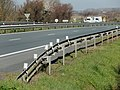 FR 17 Yves - Balises J16 sur barrière.jpg