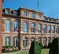 Façade du Palais vu place Broglie.jpg