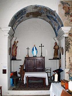 Favalello Santa Maria Assunta chapelle latérale gauche.jpg