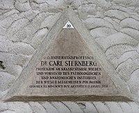 Feuerhalle Simmering - Arkadenhof (Abteilung ALI) - Carl Sternberg 02.jpg