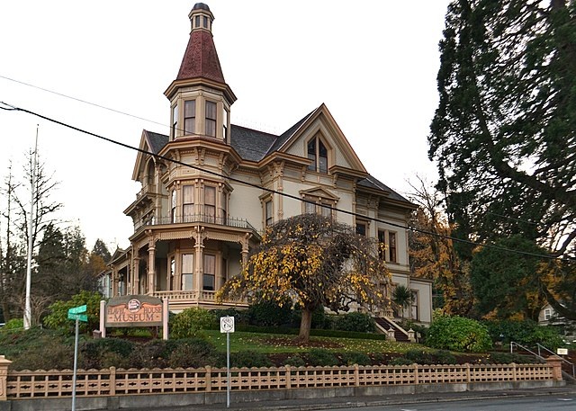 File flavel house astoria oregon jpg wikimedia commons for Building a home in oregon