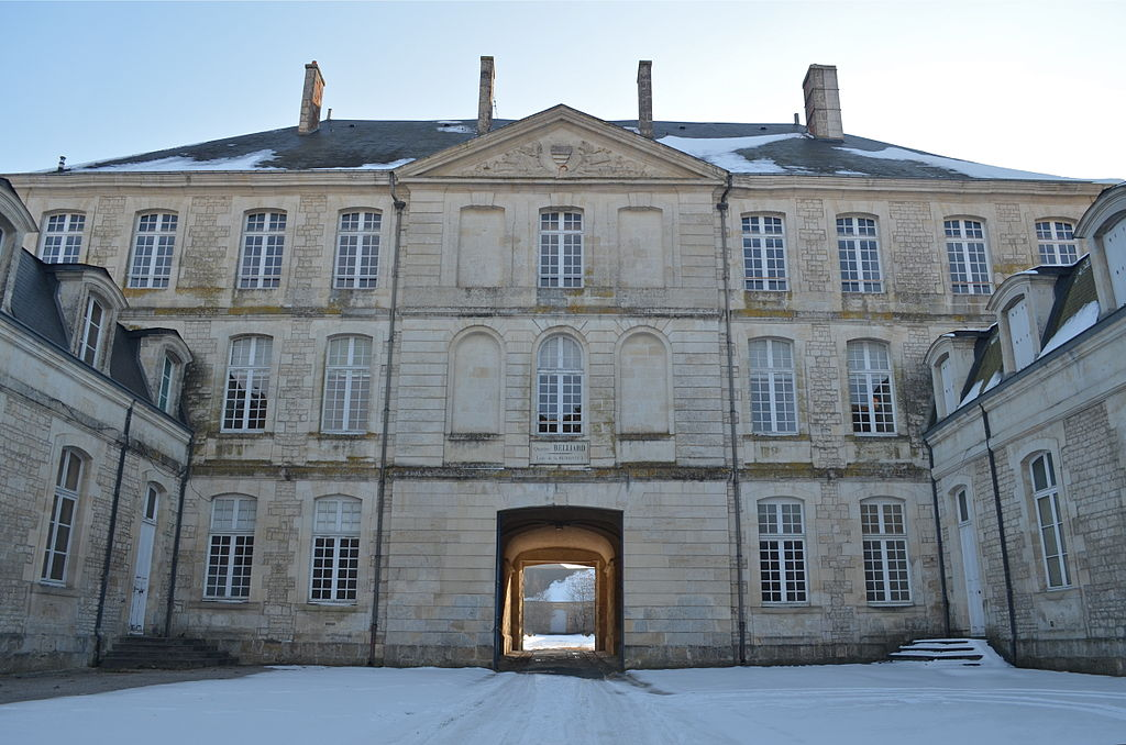 file fontenay le comte caserne belliard 2 jpg wikimedia commons