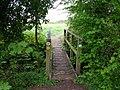 Footbridge on Monarch's Way footpath - geograph.org.uk - 1837851.jpg