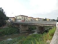 Fornacette emissario bridge.JPG