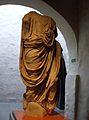 Fragment d'escultura de personatge togat - Museu Històric de Sagunt.jpg