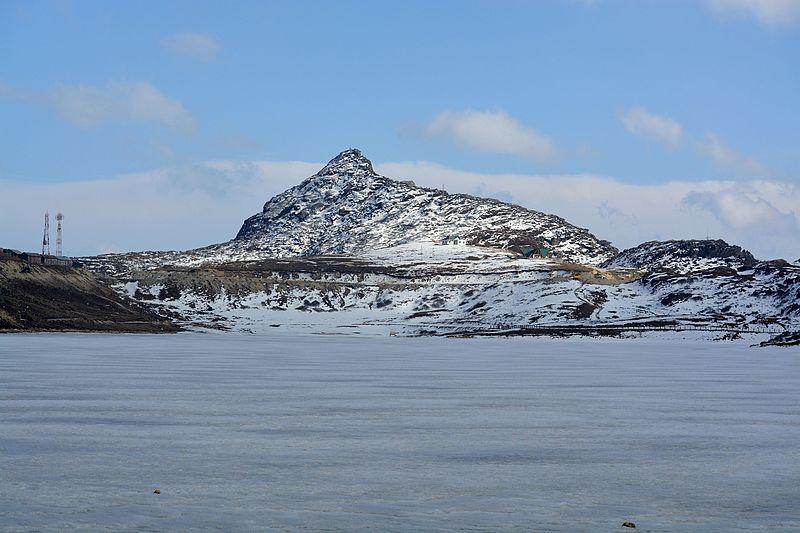 File:Frozen lake view.jpg