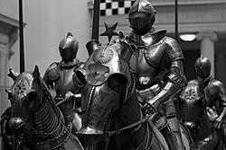 Galerie des armes et armures (8960484227).jpg
