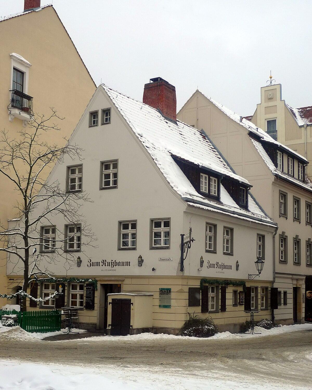 Gaststätte Zum Nußbaum.jpg