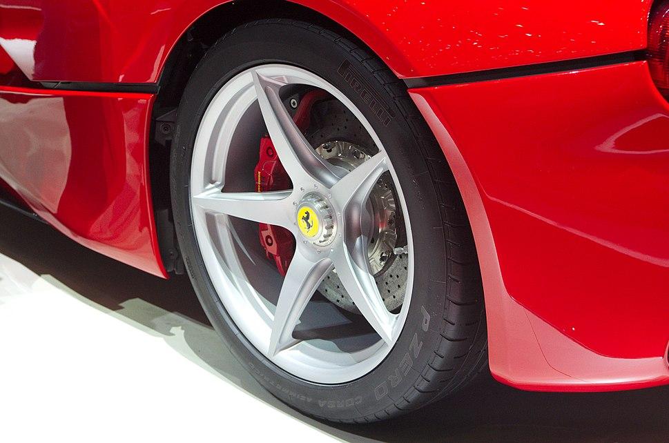 Geneva MotorShow 2013 - Ferrari LaFerrari rear wheel