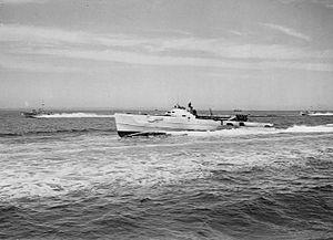 German E-Boat underway to Gosport 1945.jpg